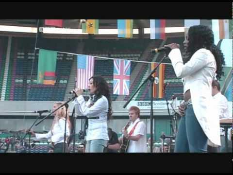 Sugababes- Stronger Live 8 Performance (06.07.2005)