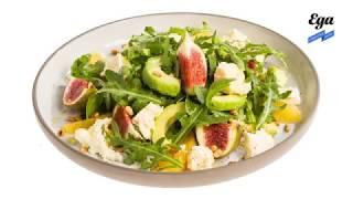 Салат с инжиром, авокадо и фермерским сыром