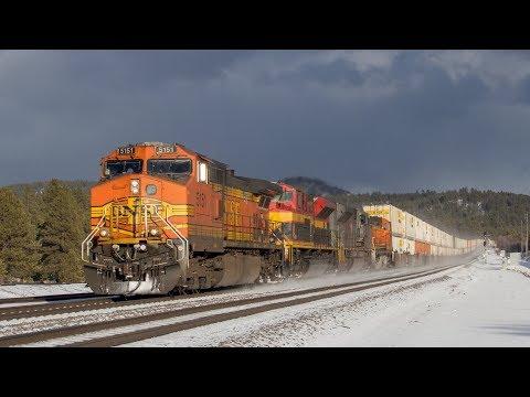 [HD] BNSF Trains in Snow through Northern Arizona!