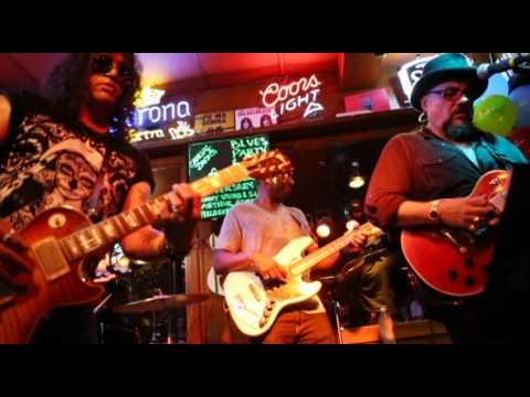 """Slash & Jimmy Vivino """"Rock Me Baby""""  Maui Sugar Mill Saloon in Tarzana 8-24-15"""