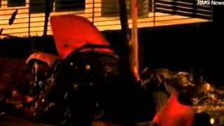 Изувеченое тело Пола Уокера достают из сгоревшей машиы