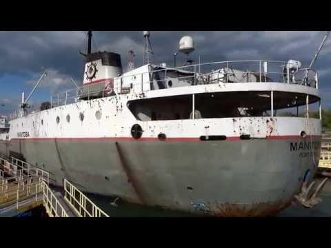 Ship MANITOBA lowered in Lock 3