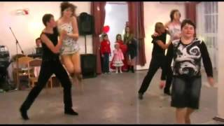 Свадебное видео  Танцевальный сюрприз! В подарок от друзей молодоженам и гостям