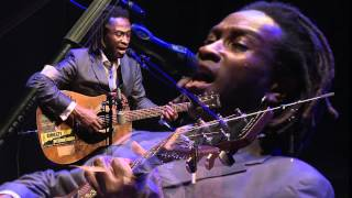 Bai kamara Jr Do You Still Think Of Me (live) @ Salle Columban 08/6/2012