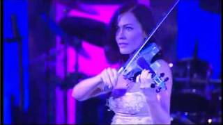 Electric Violinist Linzi Stoppard Rocks Adagio For Strings...