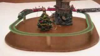 Amazing 1/87 scale moving toy train model