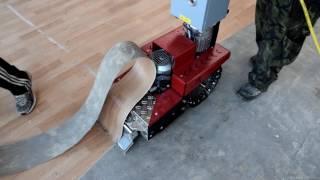 Renovace a čištění betonové podlahy, stržení PVC a koberců a odstranění lepidla
