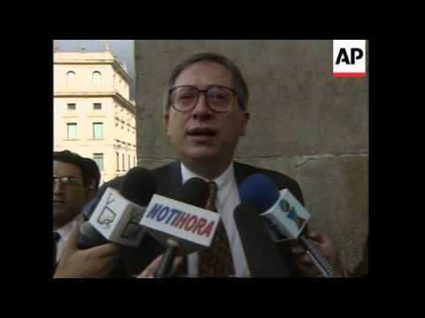 COLOMBIA: GOVERNMENT RESUME DEBATE ON ISSUE OF EXTRADITION