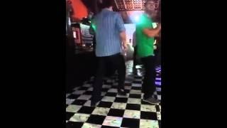 Vídeo engraçado caindo no casamento 😂😂