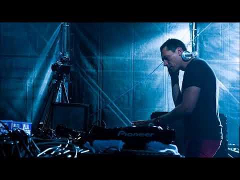 Tiesto - Live @ Heineken Music Hall,  Amsterdam (3.12.2005)