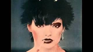 Nina Hagen-Auf m Friedhof