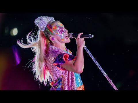 """BOOMERANG"" LIVE PERFORMANCE (D.R.E.A.M. THE TOUR)"