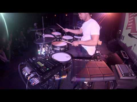 Tony Royster Jr. jamming with the Roland SPD-SX and TD-30!