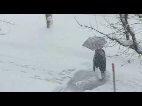 Switzerland  La chaux-de-fonds La neige est beaucoup -5 degrés... 9/12/2017