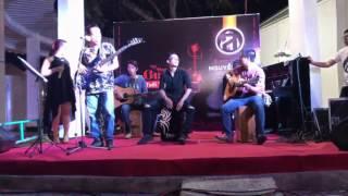 Guitar Nguyễn Anh - Khi Chuẩn Bass Hát Lên - Hội Sách Cần Thơ lần 2 năm 2017