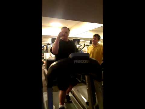 BenCotton@CREDIT-SUISSE_Working_Out_EMA_FitnessCenter.3gp