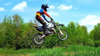 Jumping the Honda Cr 250!!!