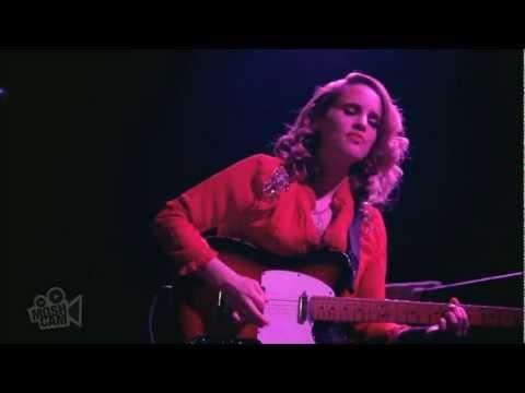 Anna Calvi - Surrender (Elvis Presley) (Live in New York) | Moshcam