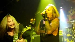 Watch Vince Neil Hes A Whore video