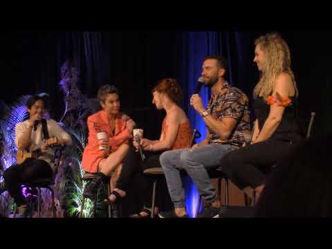 HonCon Osric Chau, Kim Rhodes, Ruth Connell, Gil McKinney and Briana Buckmaster