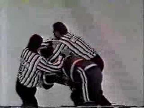 Behn Wilson versus Chris Nilan-Chicago Stadium