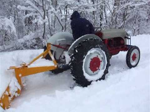 9n Ford Tractor >> 1946 Ford 2N Snow Plowing - YouTube