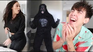 HALLOWEEN SCARE PRANK MADE HER CRY!! (+ NEW SONG)