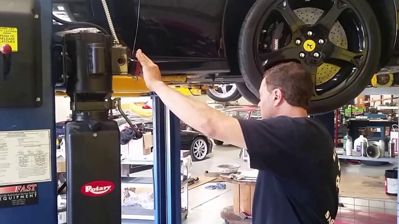 2010 Ferrari California oil change and test ride - YouTube