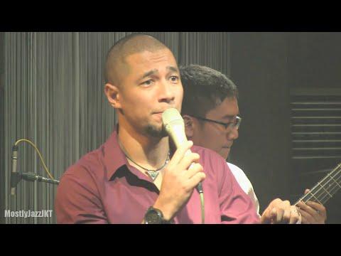 Marcell - Firasat ~ Mau Dibawa Kemana @ Mostly Jazz 18/07/2012 [HD]