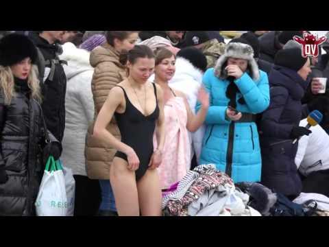 Русские девушки на крещенских купаниях 37 фото