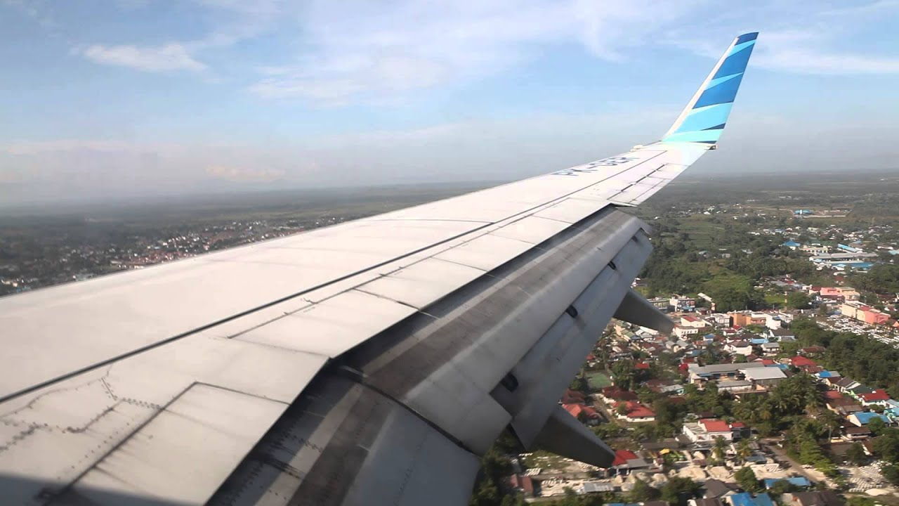 garuda indonesia pk ger landing at syamsudin noor airport in banjarmasin
