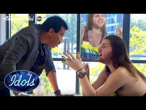 WOW! The BEST Start To An American Idol Audition EVER | Idols Global