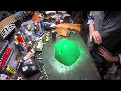 Painting an outboard cowling