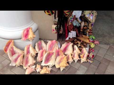 Straw Market Nassau