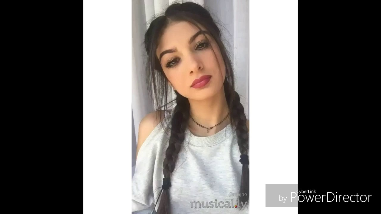 Musically : ELISA MAINO vs MARIASOLE POLLIO - YouTube