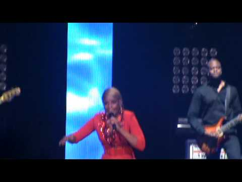 Mary J. Blige - Love No Limit / Live Concert in Chicago (Liberation tour) 9/13/2012
