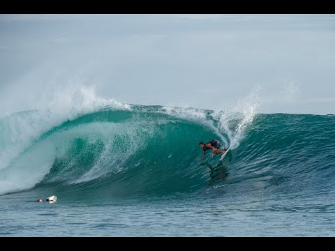 Unclustered – High-Performance Mentawai surfing | video by Andy Potts, The Perfect Wave