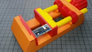 Design Hints for 3d printed mechanical Objects: How to create a Machine Vise