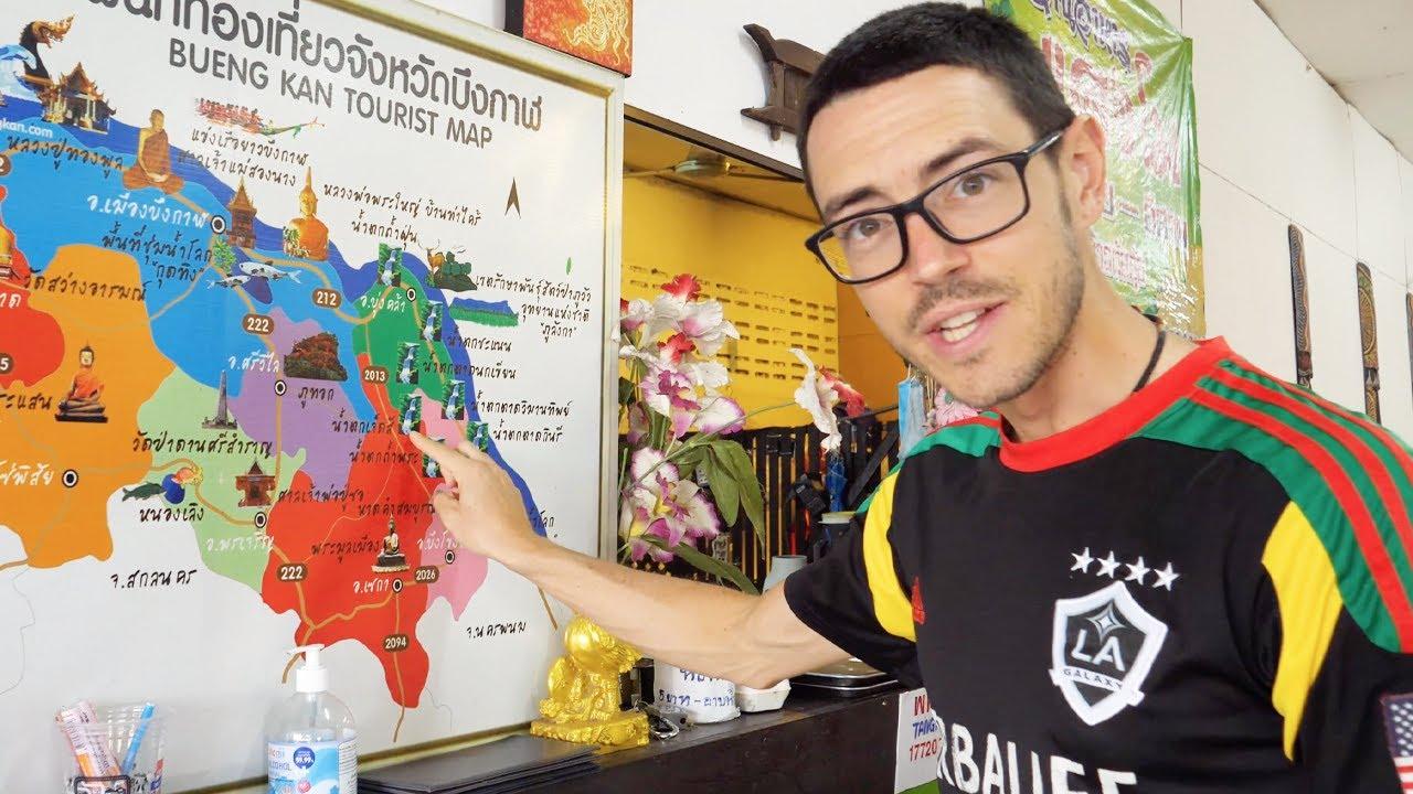 "Mekong Giant Catfish Dinner + ""Cowa Mangosteen"" (Night Market Fun in Beungkan Province)"