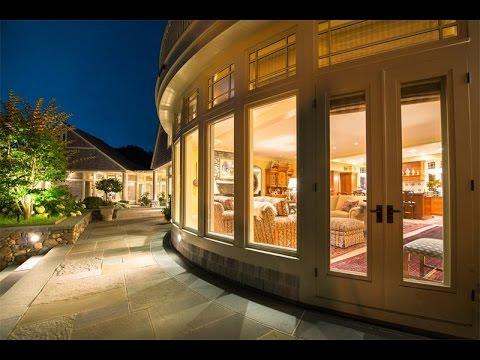Magnificent Oceanfront Estate in Jamestown, Rhode Island
