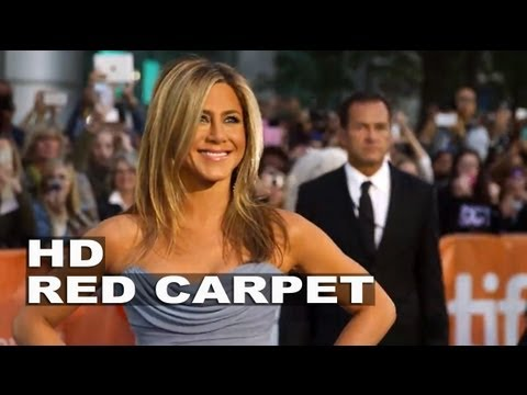 Life of Crime: Jennifer Aniston Signing Autographs and Fashion Ss at TIFF ...
