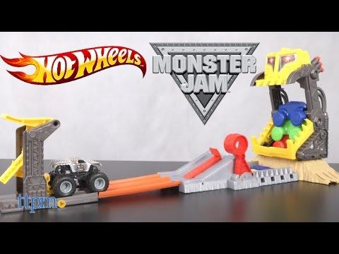 hot-wheels-monster-jam-front-flip-takedown-from-mattel