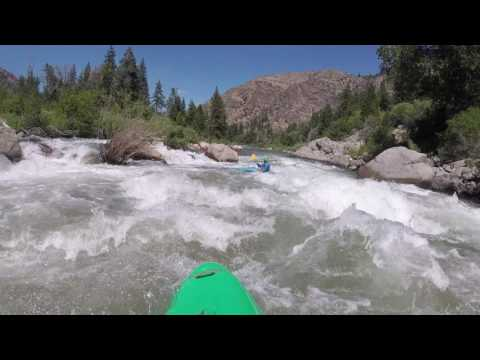 Kayaking the Staircase Rapid (class 3) on the Truckee River at 1300 cfs