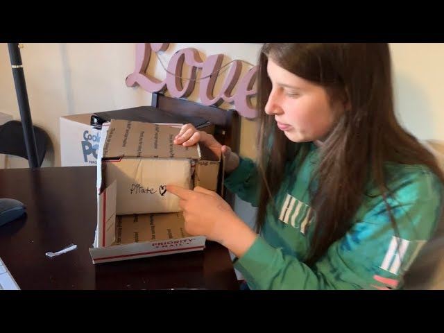 Unboxing fan mail WHEN THE STUDENTS BECOME THE TEACHER #HustleGrindRewind vlog 23