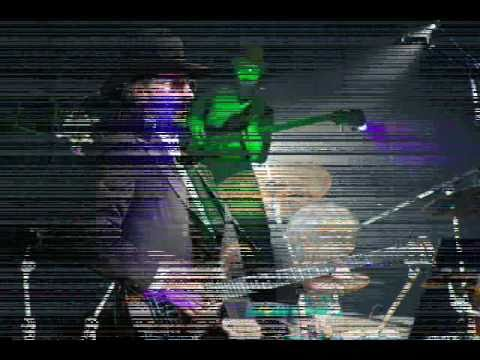 Les Claypool Having Fun with Stewart Copeland On Stage with Oysterhead