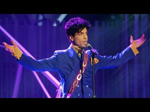 Now Everyone's Wondering If Prescription Drugs Killed Prince