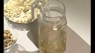 Сколько можно есть семечек в день и какая от них польза?