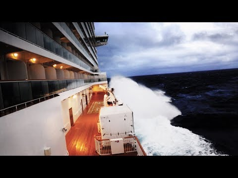 Cruise Ship Caught in a Violent Winter Storm (Norwegian Breakaway)