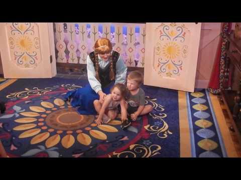 Tegan meeting Anna & Elsa