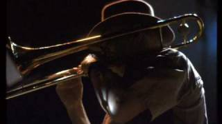 Big Bill Bissonnette, Tuba Fats, West Lawn Dirge, Closer Walk.wmv